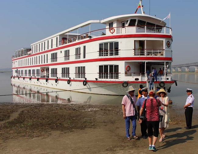 Suggestion of Best Ships for Sailing on Chindwin, Myanmar